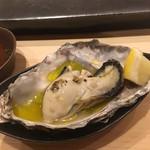 不動前 すし 岩澤 - 厚岸の蒸し牡蠣