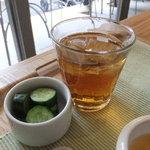 リナトキッチン - セットには五行茶またはコーヒー(ホットORアイス)がつきます