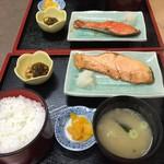 そば食事処 露風庵 - 秋鮭熟成&大助の定食