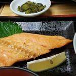 新蔵 - 紅鮭定食