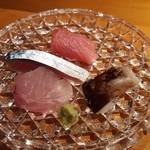 76303141 - ヤナギバチメ(めばる)、鯖、とり貝、まぐろほほ