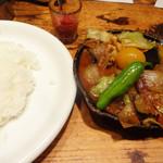 野菜を食べるカレーcamp - 一日分の野菜カレー。