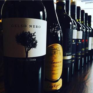 気軽に楽しめるイタリアワインの品揃えが豊富です
