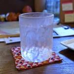 灯 - レモンの薬膳酒ソーダ割り