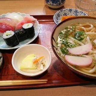 寿司食堂にしおか - 料理写真:寿司定食