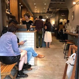 都内の人気店を数多く手掛けるデザイナーが内装を担当