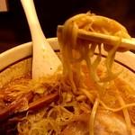 らーめん颯人 - 麺リフト