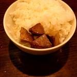 らーめん 颯人 - 白ご飯にコロチャーon