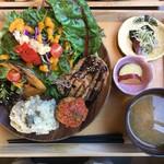 Dining & Natural ウチノソト - 料理写真: