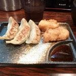 麺王者 井岡亭 - 昼セットの 唐揚げ+餃子