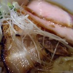 麺 みつヰ - チャーシュー接写。