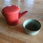 逐拓 - 蕎麦湯と相方さんの分の少しつゆが入れてあった容器!