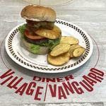 ヴィレッジヴァンガードダイナー - ハワイアンローラーコースターバーガー 税込1,490円