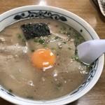 幸陽閣 - 卵入りラーメン620円