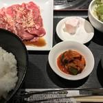 焼肉秀門 - 訳ありカルビ定食(¥1,069)