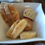 メゾンカイザー - お代わり自由なパン