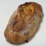 プチメゾン  - Wチーズとゴマパン