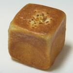 プチメゾン  - 四角いブリオッシュ