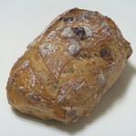プチメゾン  - クルミと全粒粉とライ麦の健康パン