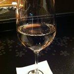 鉄板焼 黒田屋 - コース最初や白ワインで