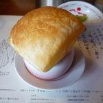 7633787 - お店の名物、パイ包みスープ!!