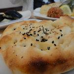 メイハーネ オゼリ - ちょっと変わった形のパンも美味しい◎