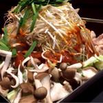 鶏と魚と野菜とMomiji - ちりとり鍋