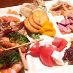鶏と魚と野菜とMomiji - 前菜9種盛り合わせ