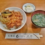蔵前いせや - かき揚げ丼(貝柱・えび)700円+みそ椀200円
