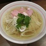 八咫烏 - 塩ラーメン:白750円+ワンタン150円