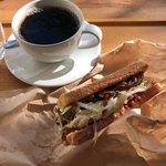テッパンキッチン セタガヤ - TK焼きそばパン ドリップコーヒー