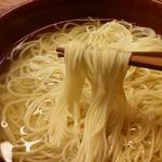 76335859 - 細めのストレート麺