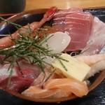岩山海 なんば店 - 海鮮丼