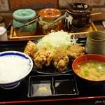 熟成からあげ専門 よし平 - 料理写真:2017年9月 合い盛り定食【990円+税】