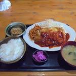 B級食堂 - チキンかつ定食700円