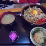 B級食堂 - スタミナ丼700円
