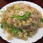 台湾料理 嘉宴楼 - 海鮮レタス炒飯