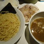 麺屋錦 - 魚プラスつけめん(トッピング:チャーシュー)