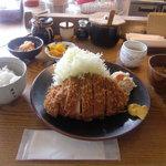 睦巳 - ロースカツ定食(1700円)