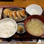 SAPPORO餃子製造所 - 餃子定食(840円)