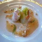 中国料理 桃林 - 料理写真:海鮮の生春巻き ピリ辛ソース♪皮がとてもみずみずしく、もちもちとしています☆
