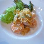 中国料理 桃林 - 海老のマヨネーズ炒め♪金針菜を絡めてあります。