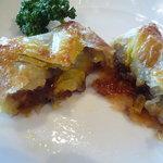 中国料理 桃林 - パイの中には茄子の味噌煮がたっぷり♪♪