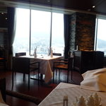 中国料理 桃林 - 店内は席の間隔も広く、ゆったりとお食事を楽しむことができます(*^_^*)