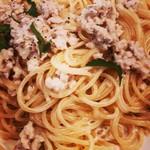 ピッツェリア ヴィア セッテ - パスタカプリッチョは、ミンチのクリームソース。