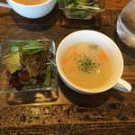 近江牛Steak&Wine 山村牛兵衛 - サラダとスープ