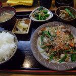 7637798 - 野菜炒め定食800円