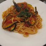 モカロ - トマトソースの野菜パスタ