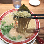 ラー麺 ずんどう屋 - 細麺