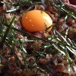 うどん 色彩 - 甘辛く煮込んだ牛肉がタップリ。